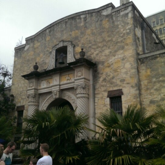 Photo taken at The Alamo by Ismael M. on 3/8/2014
