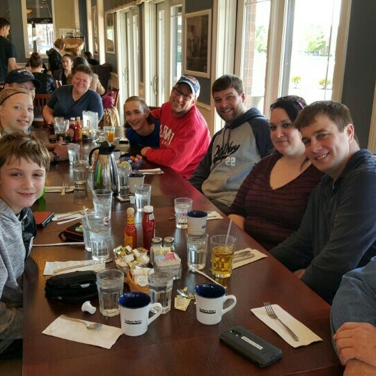Photo taken at Southern Belle's Pancake House by Robin S. on 5/15/2016