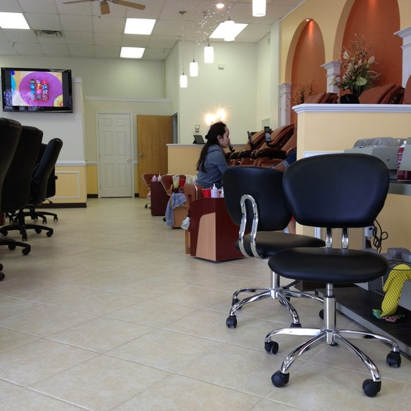 Vip nails 2 tips for 24 hour nail salon chicago