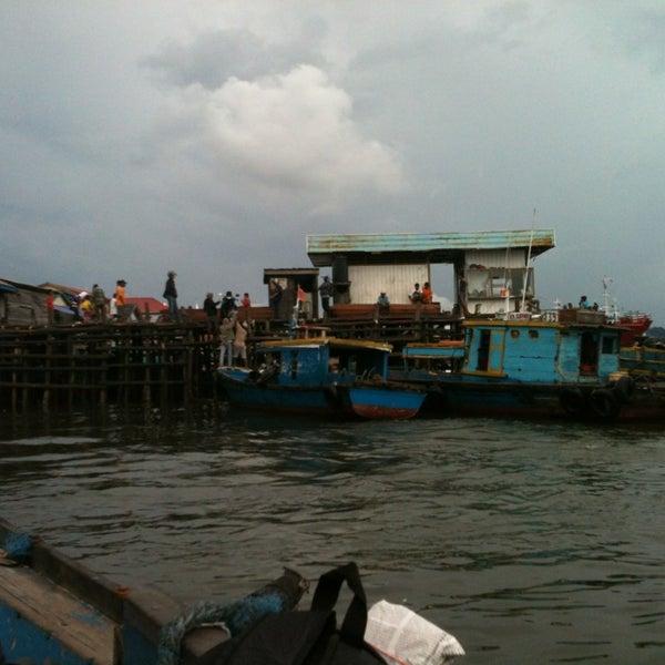 Photo taken at Pelabuhan speedboat kampung baru by Erw N. on 2/9/2013