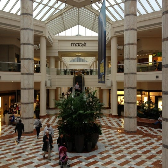Galleria Mall: Shopping Mall In Stonestown