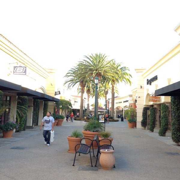 Photo taken at Carlsbad Premium Outlets by Tayyar on 1/6/2014