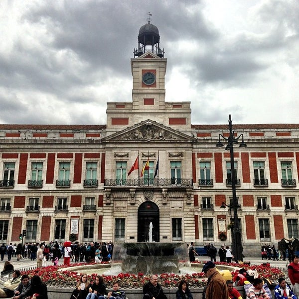 Puerta del sol sol madrid madrid for Puerta del so