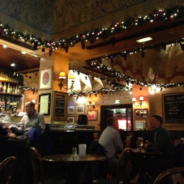 Scottish Pub Bar: Bar In Edinburgh