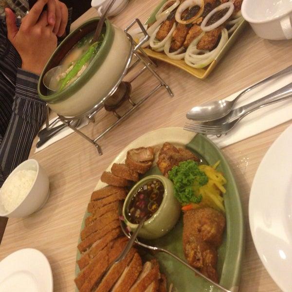 Photo taken at Sérye Café Filipino by Filchiprince on 7/29/2013