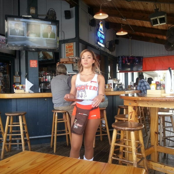 Photo taken at Hooters by Juan Pablo S. on 5/15/2013