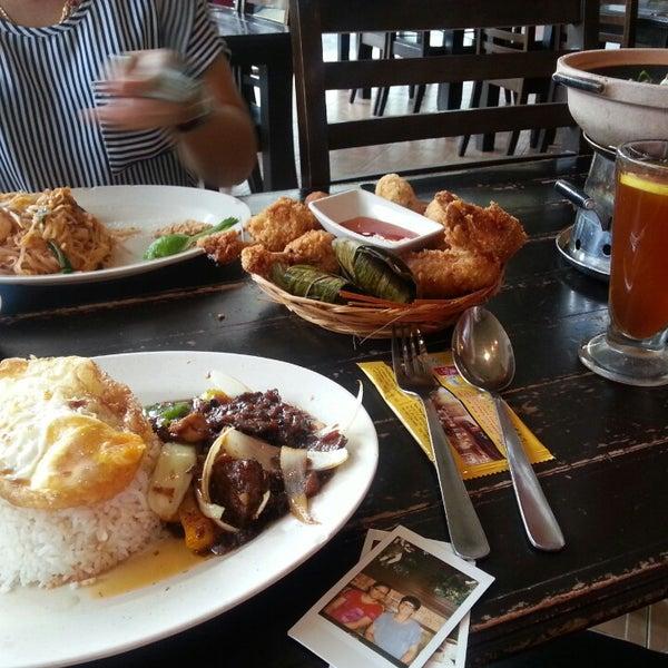 Photo taken at Soul Thai Restaurant by Micki D. on 7/15/2014