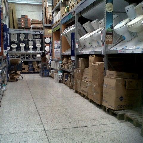 Photo taken at Homecenter y Constructor Av 68 Sur by Wen O. on 11/5/2012