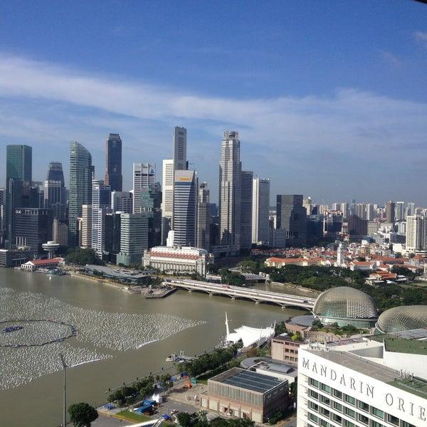 Photo taken at The Ritz-Carlton, Millenia Singapore by Tommy on 5/19/2013
