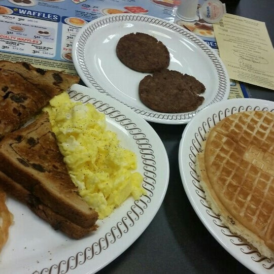 Photo taken at Waffle House by Bryan C. on 9/14/2015