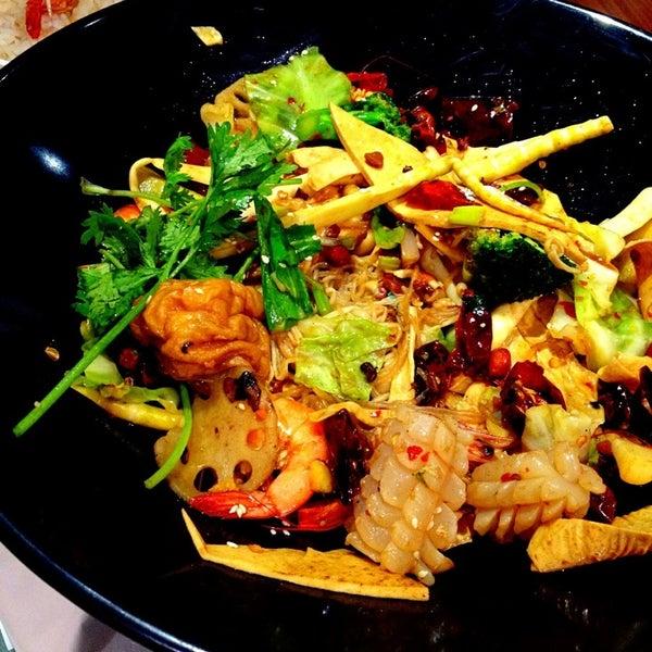 Photo taken at Réel Kitchen by Wenwen Z. on 8/8/2013