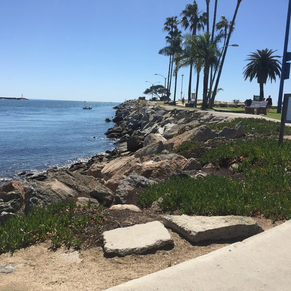 Corona del Mar local hangout to enjoy panoramic ocean views sitting on a grassy knoll with family and friends while watching the sun set.