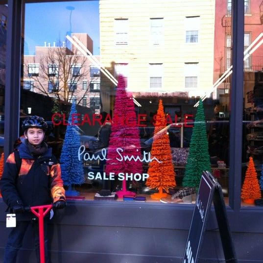 paul smith sale shop  now closed  - williamsburg