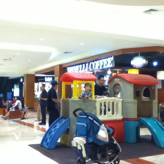 Photo taken at Pondok Indah Mall 2 by Donny B. on 9/20/2012