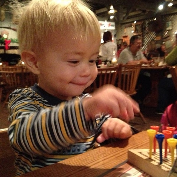 Photo taken at Cracker Barrel Old Country Store by Donny E. on 12/6/2012