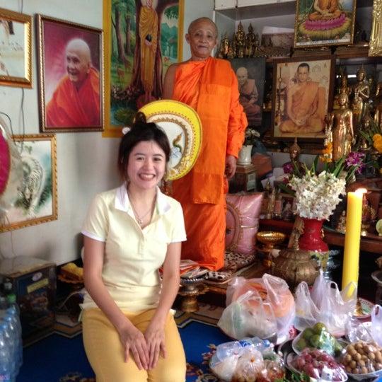 Photo taken at วัดดอนตูม บ้านโป่ง by Siriroj P. on 11/17/2012