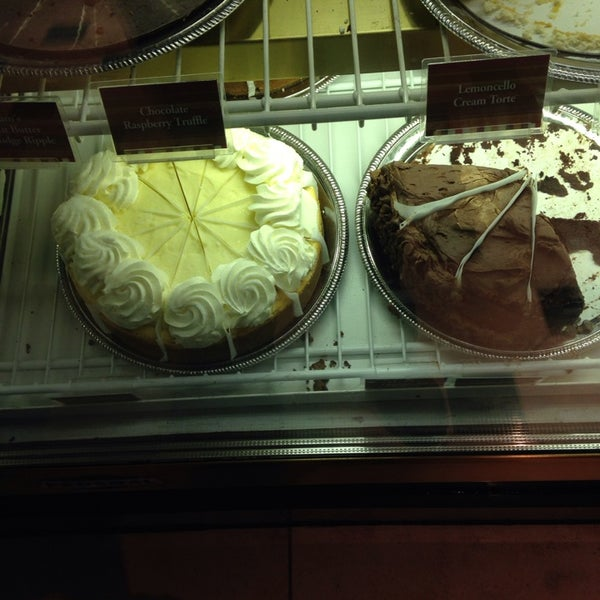 Photo taken at Cheesecake Factory by Ejaz W. on 11/3/2013