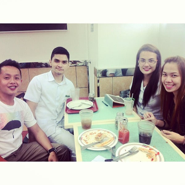 Photo taken at Sbarro by Jam Marie R. on 6/25/2013