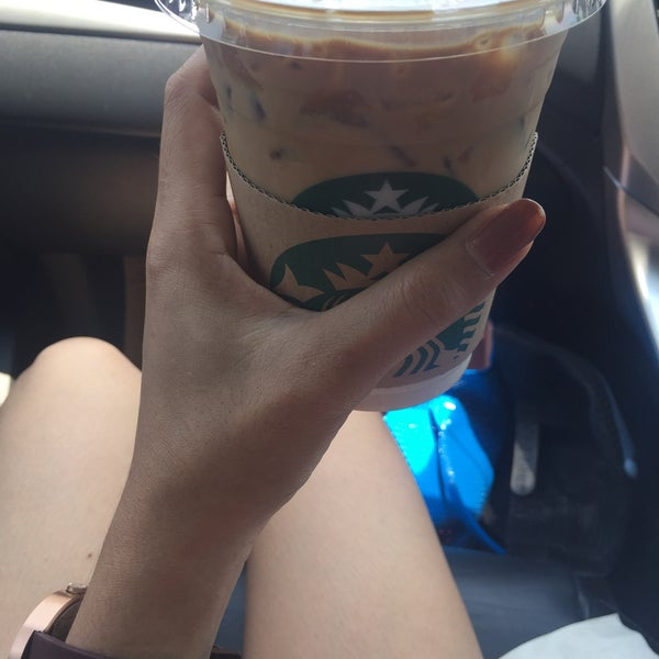 Photo taken at Starbucks by Kwan w. on 4/11/2016