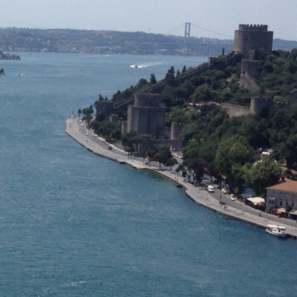 Photo taken at Fatih Sultan Mehmet Bridge by 🇹🇷E🇹🇷F🇹🇷E🇹🇷 on 7/11/2013