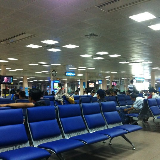 Photo taken at Tan Son Nhat International Airport (SGN) by Minh Thuy V. on 11/26/2012