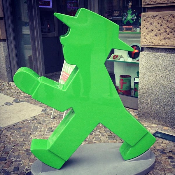 Photo taken at AMPELMANN Shop am Gendarmenmarkt by Vicente E. on 7/23/2012