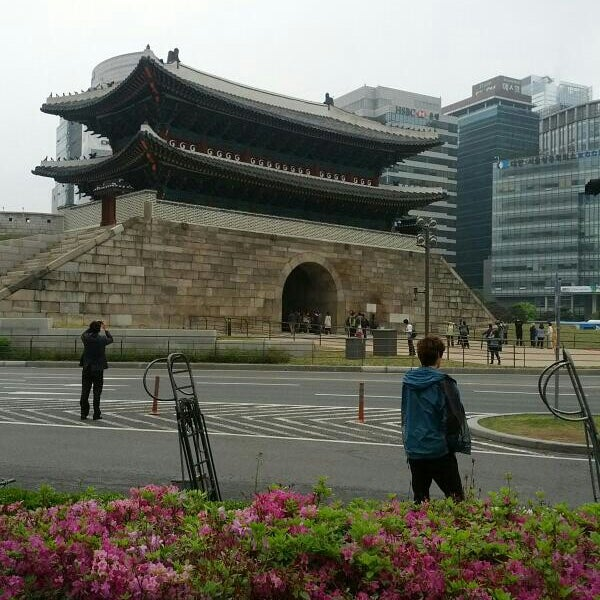 Photo taken at Sungnyemun by Young Do K. on 5/10/2013