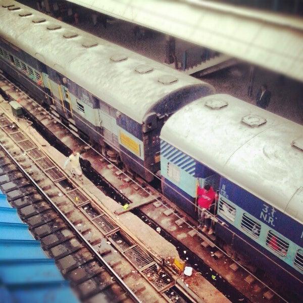 Photo taken at New Delhi Railway Station (NDLS) by Денис В. on 12/15/2012