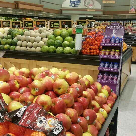 Photo taken at Stater Bros. Markets by Alan V. on 1/7/2016
