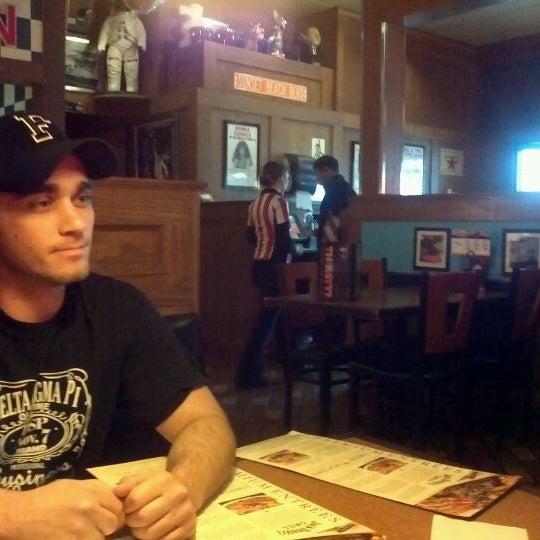 Photo taken at TGI Fridays by Linda Z. on 1/14/2012
