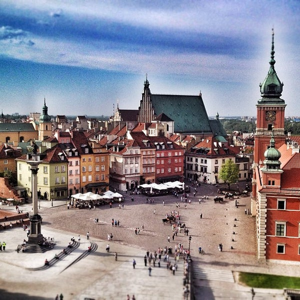 Where's Good? Holiday and vacation recommendations for Warsaw, Poland. What's good to see, when's good to go and how's best to get there.