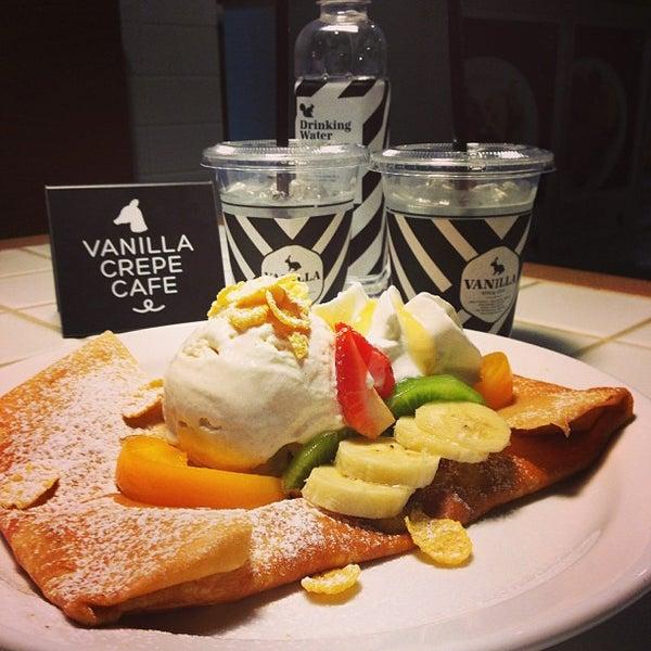 Photo taken at Vanilla Crepe Cafe by Mild J. on 2/10/2013