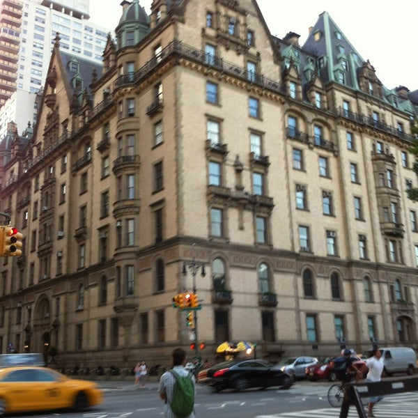 Who Lives At 15 Central Park West: Central Park West- W 72 St