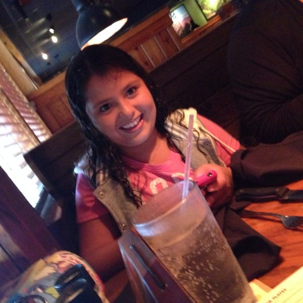 Photo taken at Outback Steakhouse by Nayadi S. on 12/1/2013