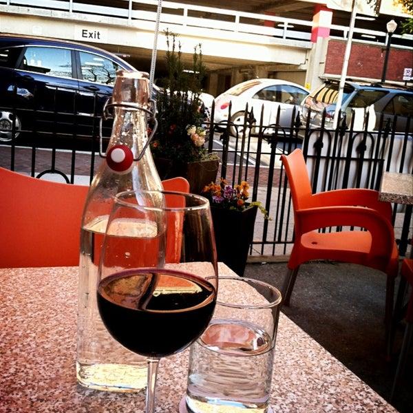 Pour on prince restaurant in lancaster for Four pour restaurant