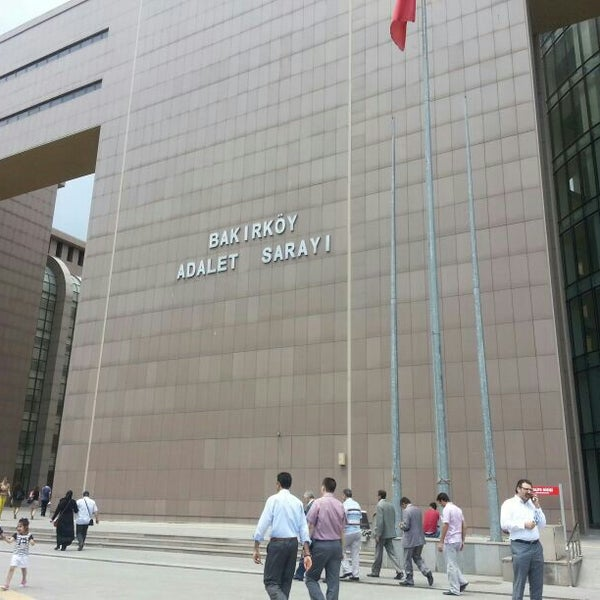 Photo taken at Bakırköy Adalet Sarayı by Gamze C. on 6/6/2013