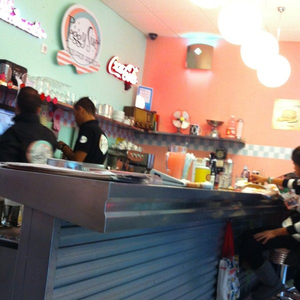 Photo taken at Peggy Sue's by XaviGasso on 12/1/2012