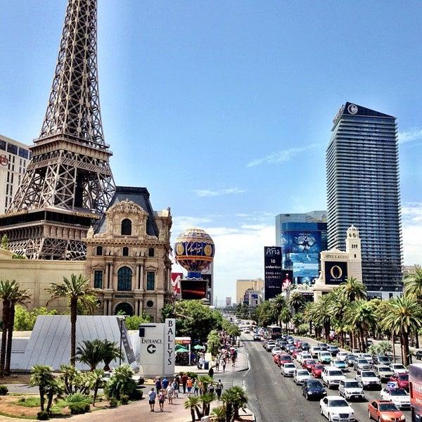 Photo taken at The Las Vegas Strip by Ernie L. on 7/26/2013
