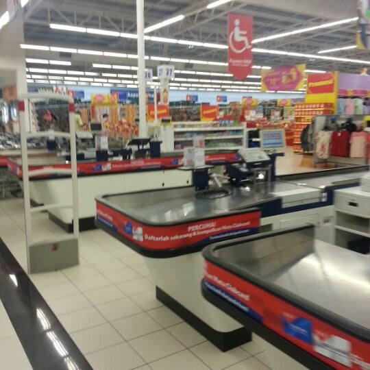 Photo taken at Tesco by DeathScythe L. on 1/22/2013