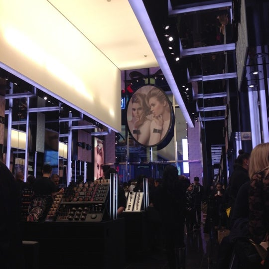 Photo taken at MAC Cosmetics by Clarissa L. on 11/16/2012