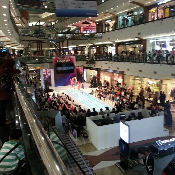 Photo taken at Pondok Indah Mall 2 by S G T A. on 5/10/2013