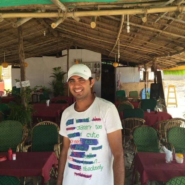 Это Саша. В помощь вновь прибывшим туристам. Симки, экскурсии и прочее дешевле и надежно. Шек Paradise +91 98-60-027467 его номер телефона