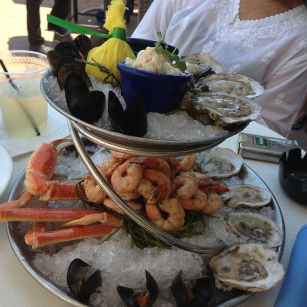 Photo taken at Catch 31 Fish House and Bar by Daniel M. on 6/15/2013