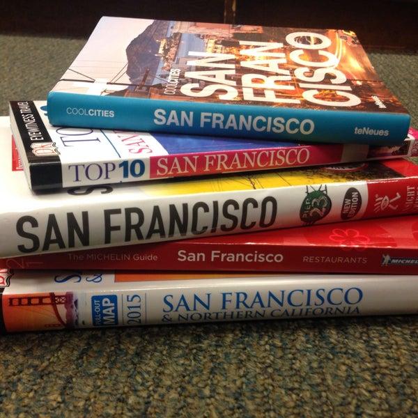 Photo taken at Barnes & Noble by Mandi Botic on 1/24/2015