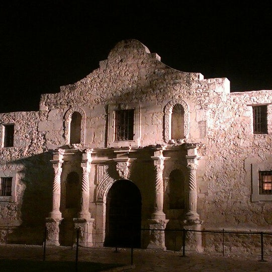 Photo taken at The Alamo by Julia T. on 4/8/2013
