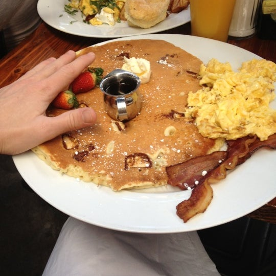 Photo taken at Hash House a Go Go by Jeremy H. on 12/17/2012