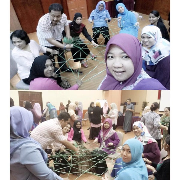 Photo taken at Felda Residence Trolak, Sungkai by Nur Amirah Sk on 8/28/2015