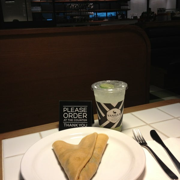 Photo taken at Vanilla Crepe Cafe by Boyd V. on 1/10/2013