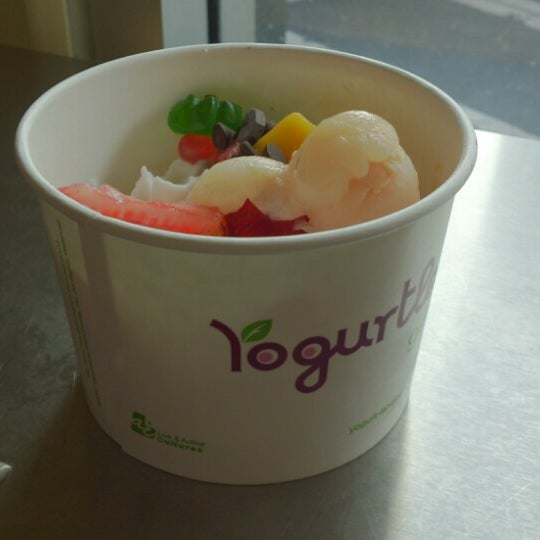 Photo taken at Yogurtland by Sintang Hirang S. on 6/8/2014