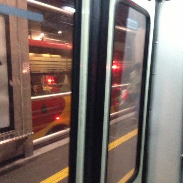 Photo taken at Metrobús Hamburgo L1 by Inti Ayora on 7/11/2013